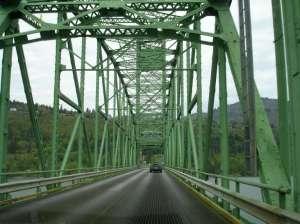 2007_Spring_Hood_River_bridge